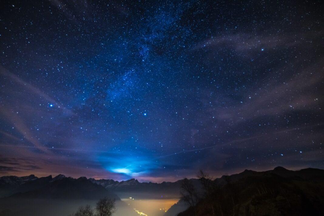 étoiles les plus brillantes dans le ciel d'hiver
